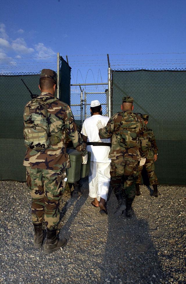 640px-Guantanamo030228-N-4936C-096